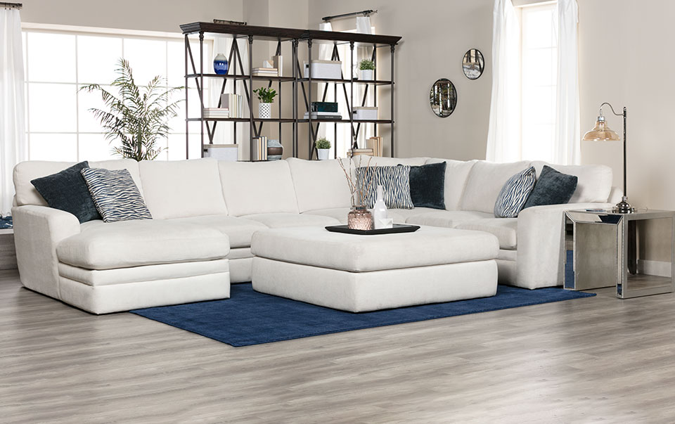 Glamour II Sectional